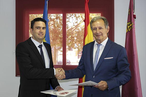 El Colegio de Graduados de Murcia firma un acuerdo con Grupo2000