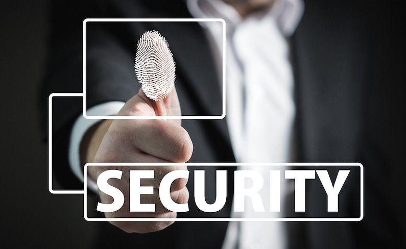 Cómo cumplir la normativa de Protección de Datos al registrar la jornada