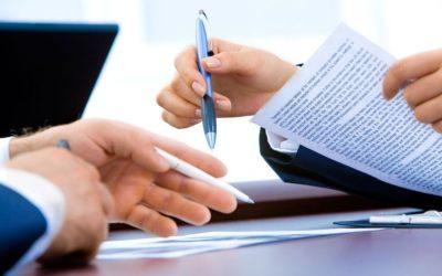 Una nueva directiva afecta a la redacción de los contratos laborales