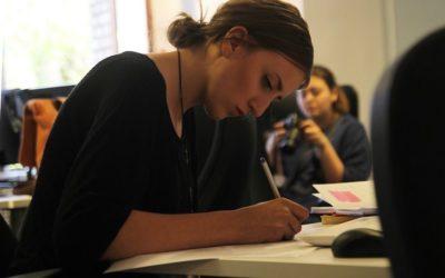 Trabajo tiene previsto aprobar un Estatuto de las practicas y limitar su uso